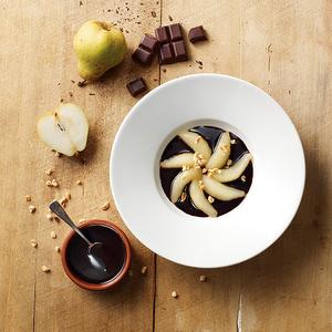 Poire pochée au chocolat